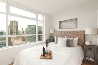 """Photo 13: 2802 438 SEYMOUR Street in Vancouver: Downtown VW Condo for sale in """"The Residences at Conference Plaza"""" (Vancouver West)  : MLS®# R2592278"""