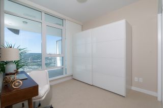 """Photo 13: 2408 4485 SKYLINE Drive in Burnaby: Brentwood Park Condo for sale in """"SOLO DISTRICT - ALTUS"""" (Burnaby North)  : MLS®# R2373957"""