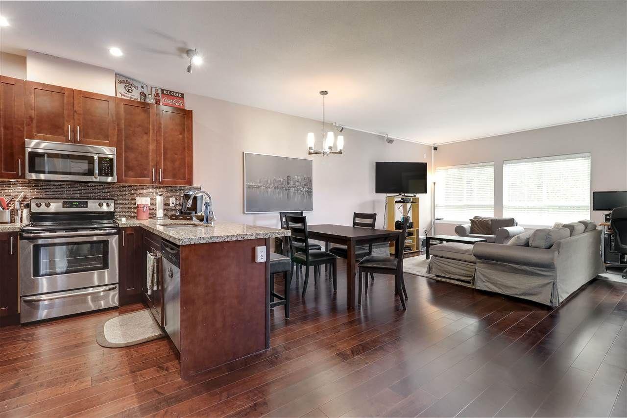 "Photo 3: Photos: 305 2664 KINGSWAY Avenue in Port Coquitlam: Central Pt Coquitlam Condo for sale in ""KINGSWAY GARDENS"" : MLS®# R2259972"