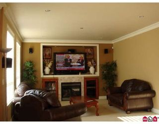 Photo 6: 16240 80TH Avenue in Surrey: Fleetwood Tynehead House for sale : MLS®# F2802655