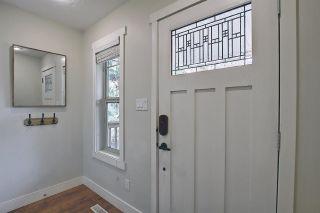 Photo 3: 9502 86 Avenue in Edmonton: Zone 18 House Half Duplex for sale : MLS®# E4241046