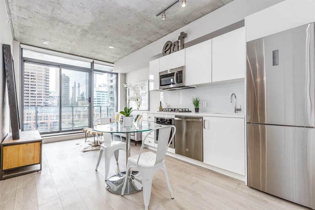 Main Photo: 1205 1010 6 Street SW in Calgary: Beltline Apartment for sale : MLS®# A1100486