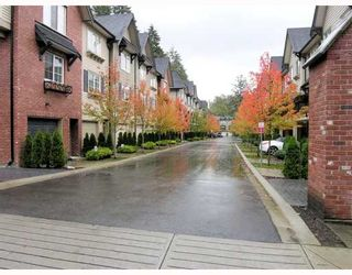 "Photo 1: 27 550 BROWNING Place in North_Vancouver: Seymour Townhouse for sale in ""TANAGER"" (North Vancouver)  : MLS®# V753076"