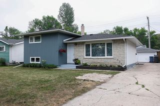 Photo 3: 24 Weaver Bay in Winnipeg: Norberry Residential for sale (2C)  : MLS®# 202117861