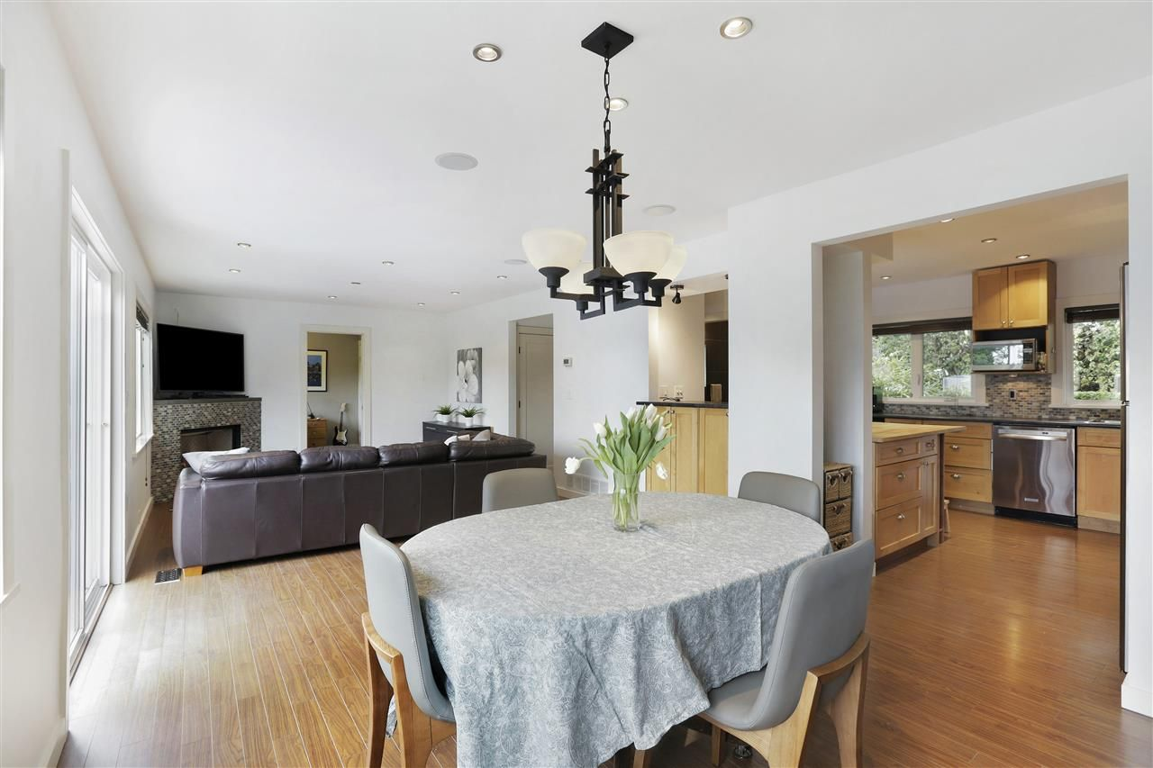 Main Photo: 3055 PLYMOUTH Drive in North Vancouver: Windsor Park NV House for sale : MLS®# R2543123