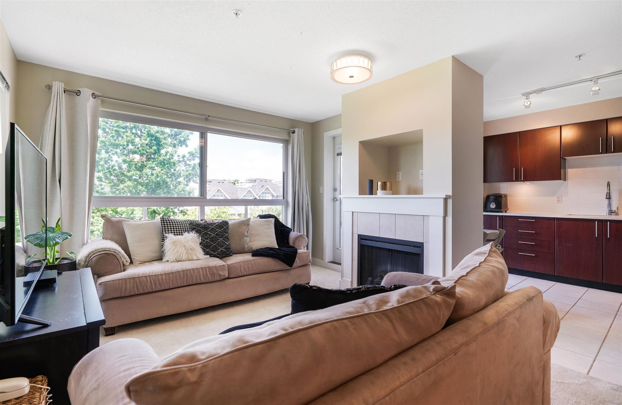 Main Photo: 314 7088 MONT ROYAL SQUARE in Vancouver: Champlain Heights Condo for sale (Vancouver East)  : MLS®# R2594877