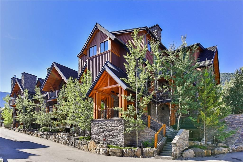 Main Photo: 1102, 101A Stewart Creek Landing in Canmore: Condo for sale : MLS®# A1096361