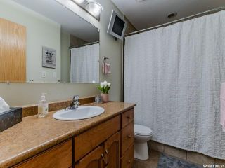 Photo 19: 214 E Avenue North in Saskatoon: Caswell Hill Residential for sale : MLS®# SK858863