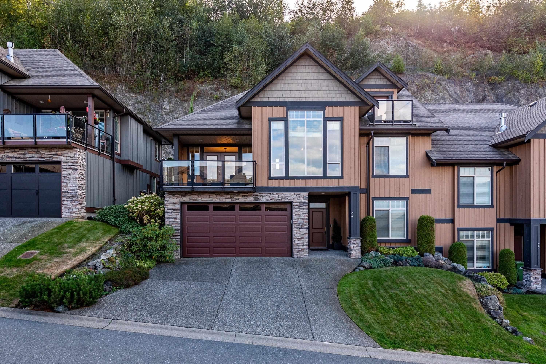 "Main Photo: 34 43540 ALAMEDA Drive in Chilliwack: Chilliwack Mountain Townhouse for sale in ""Retriever Ridge"" : MLS®# R2617463"