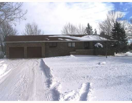 FEATURED LISTING: 1505 CHARLESWOOD Road WINNIPEG