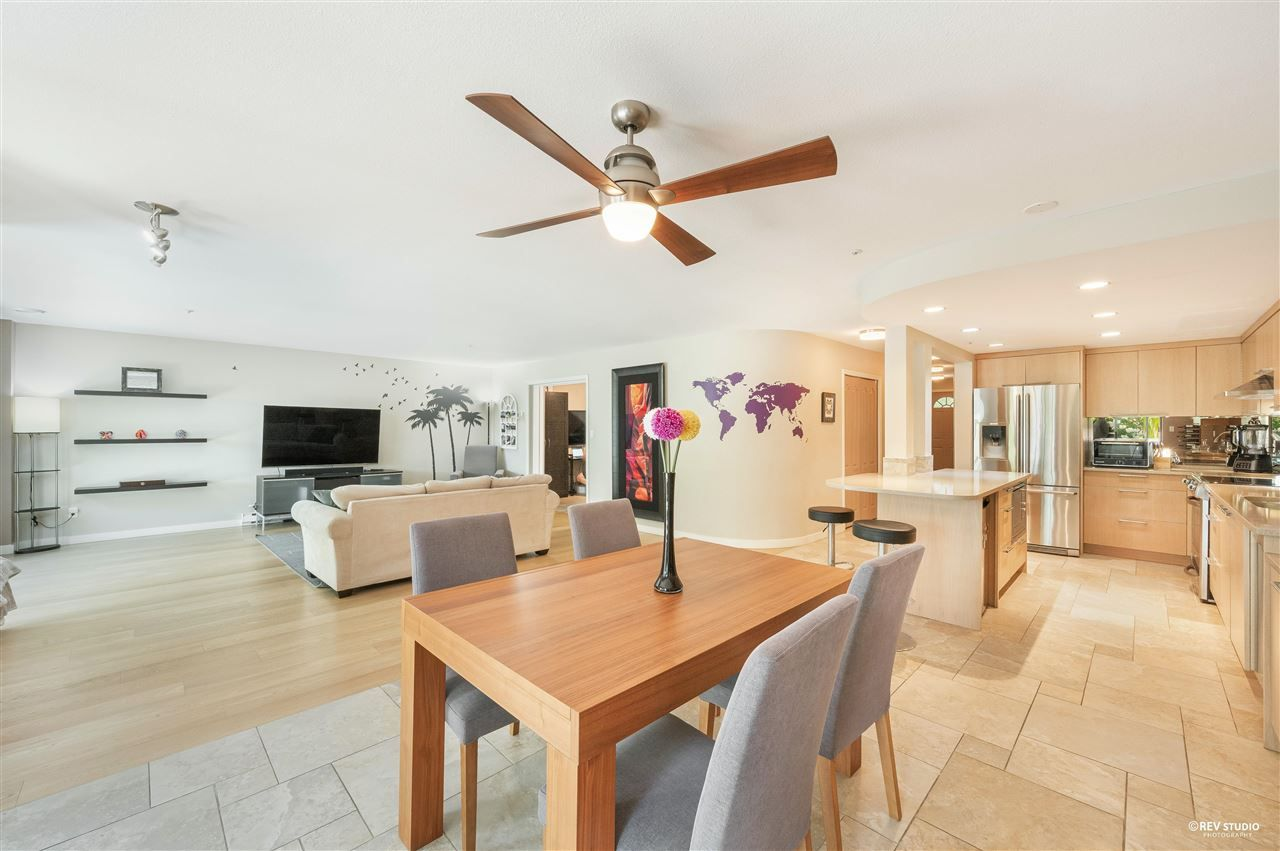 """Main Photo: 9 2188 SE MARINE Drive in Vancouver: South Marine Townhouse for sale in """"Leslie Terrace"""" (Vancouver East)  : MLS®# R2584668"""