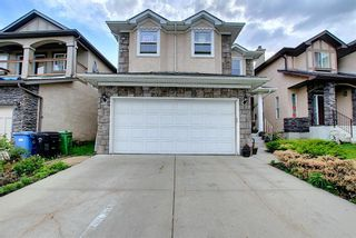 Photo 2: 21 Sherwood Parade NW in Calgary: Sherwood Detached for sale : MLS®# A1123001