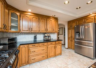 Photo 14: 519 Woodhaven Bay SW in Calgary: Woodbine Detached for sale : MLS®# A1130696