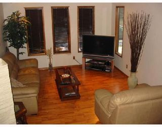 Photo 2:  in CALGARY: Shawnessy Residential Detached Single Family for sale (Calgary)  : MLS®# C3297473