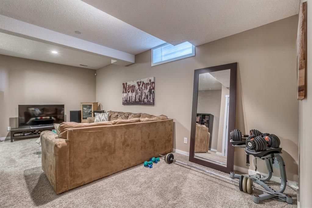 Photo 35: Photos: 47 Douglas Woods Way SE in Calgary: Douglasdale/Glen Detached for sale : MLS®# A1076729