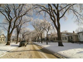 Photo 2: 634 Rosedale Avenue in WINNIPEG: Manitoba Other Residential for sale : MLS®# 1201741