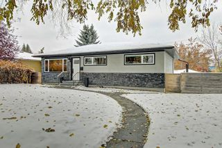 Photo 2: 72 Malibou Road SW in Calgary: Meadowlark Park Detached for sale : MLS®# C4210727