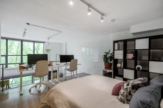 """Photo 22: 518 22 E CORDOVA Street in Vancouver: Downtown VE Condo for sale in """"Van Horne"""" (Vancouver East)  : MLS®# R2600370"""