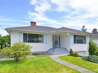 Photo 1: 907 Shirley Rd in VICTORIA: Es Kinsmen Park House for sale (Esquimalt)  : MLS®# 613829