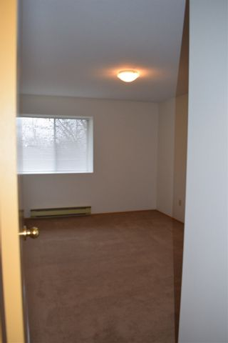 """Photo 3: 32 7525 MARTIN Place in Mission: Mission BC Condo for sale in """"LUTHER PLACE"""" : MLS®# R2033669"""