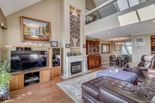 """Photo 2: 418 5 K DE K Court in New Westminster: Quay Condo for sale in """"QUAYSIDE TERRACE"""" : MLS®# R2105551"""