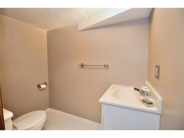 Photo 20: Photos: 108 SHAWGLEN Road SW in Calgary: Shawnessy House for sale : MLS®# C4038520