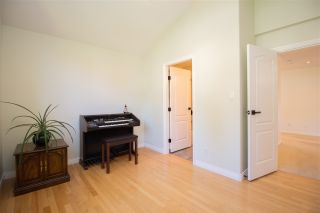 Photo 15: 835 STRATHAVEN Drive in North Vancouver: Windsor Park NV House for sale : MLS®# R2551988
