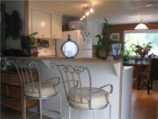 """Photo 4: 5 1413 SUNSHINE COAST Highway in Gibsons: Gibsons & Area Manufactured Home for sale in """"Poplar Mobile Home Park"""" (Sunshine Coast)  : MLS®# V836470"""