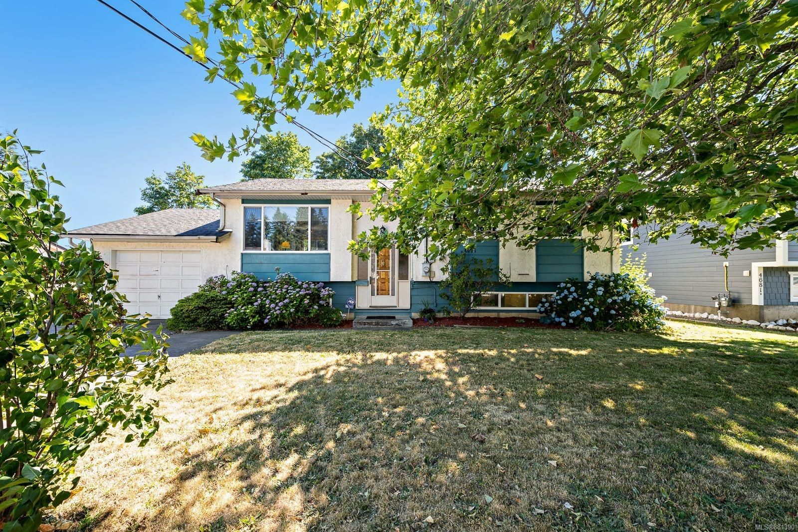 Main Photo: 4675 Macintyre Ave in : CV Courtenay East House for sale (Comox Valley)  : MLS®# 881390