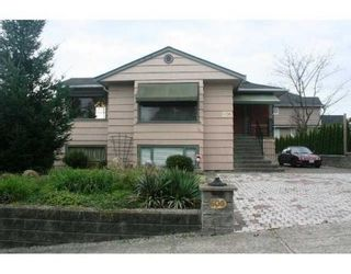 Photo 1: 608 14TH ST in New Westminster: House for sale : MLS®# V857486