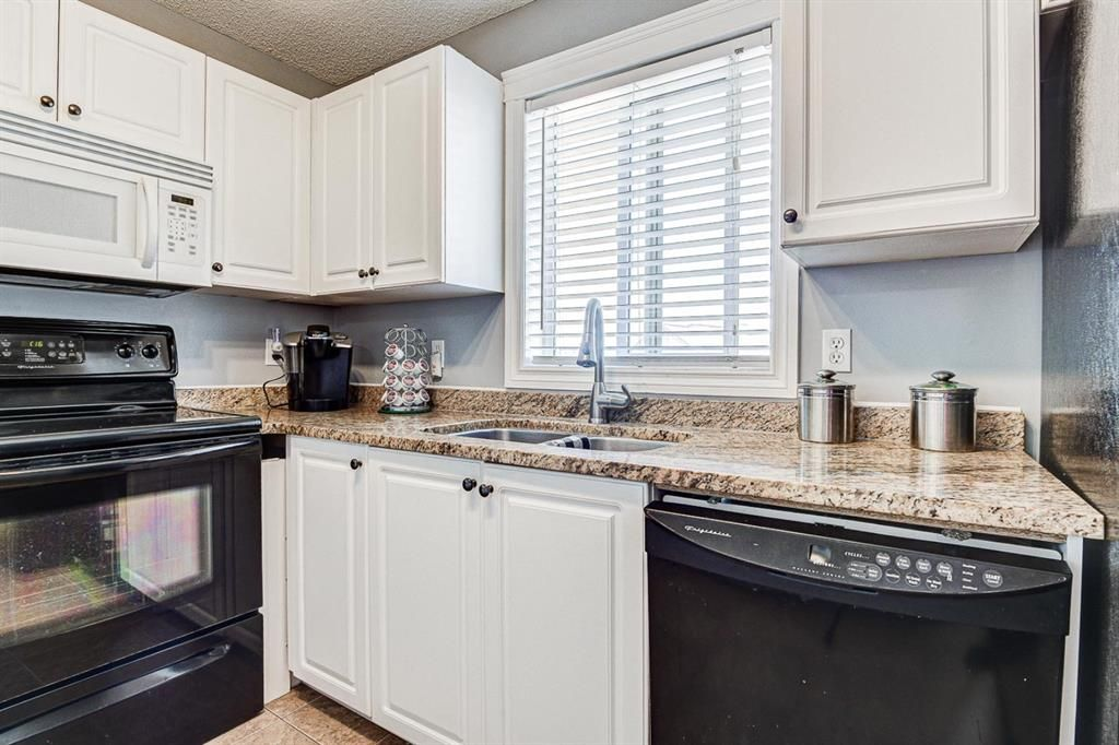 Photo 14: Photos: 414 6000 Somervale Court SW in Calgary: Somerset Apartment for sale : MLS®# A1126946