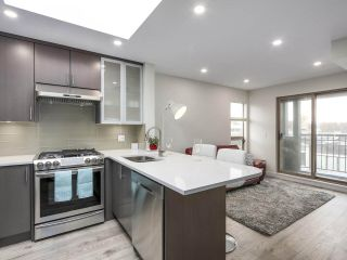 """Photo 1: 401 688 E 16TH Avenue in Vancouver: Fraser VE Condo for sale in """"VINTAGE EASTSIDE"""" (Vancouver East)  : MLS®# R2223422"""