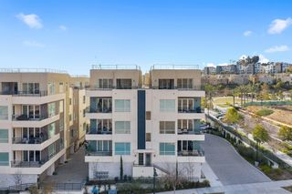 Photo 2: MISSION VALLEY Condo for sale : 3 bedrooms : 2400 Community Ln #59 in San Diego