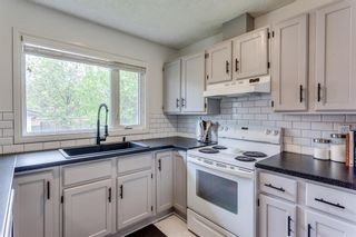 Photo 10: 23 Woodbrook Road SW in Calgary: Woodbine Detached for sale : MLS®# A1119363