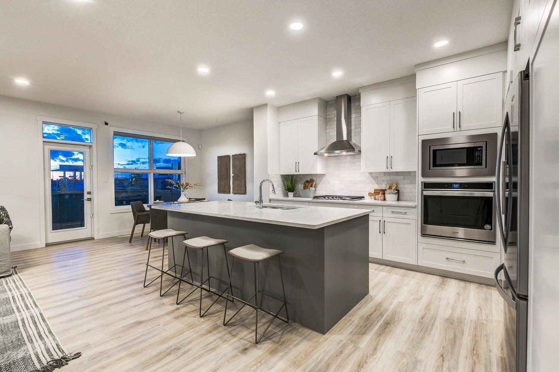 Main Photo: 7157 EDGEMONT Way in Edmonton: Zone 57 House for sale : MLS®# E4259562