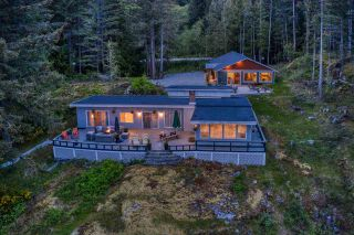 Photo 5: 10991 - 10993 SUNSHINE COAST Highway in Halfmoon Bay: Halfmn Bay Secret Cv Redroofs House for sale (Sunshine Coast)  : MLS®# R2579965