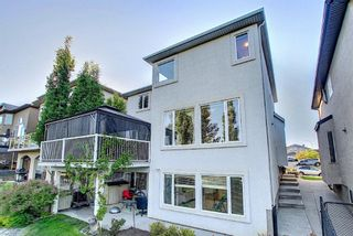 Photo 4: 1077 Panorama Hills Landing NW in Calgary: Panorama Hills Detached for sale : MLS®# A1116803