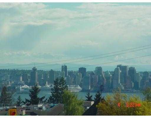Main Photo: 306 2710 LONSDALE Ave in North Vancouver: Upper Lonsdale Home for sale ()  : MLS®# V702078