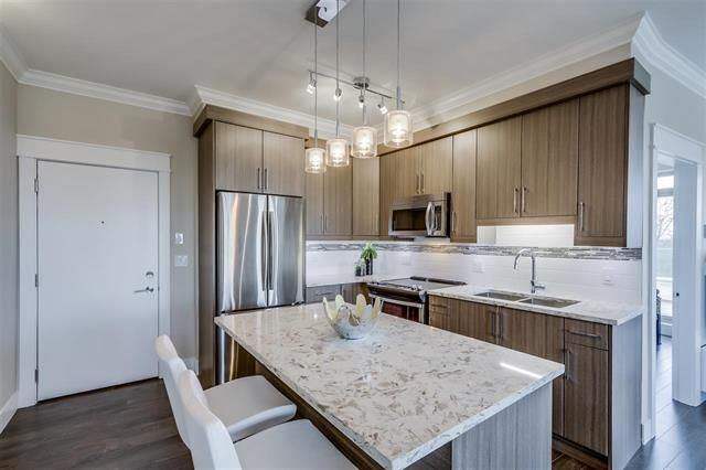 Main Photo: 316 19228 64 Avenue in Cloverdale: Cloverdale BC Condo for sale : MLS®# R2097118
