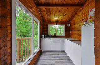 "Photo 12: 9854 WESCAN Road in Halfmoon Bay: Halfmn Bay Secret Cv Redroofs House for sale in ""Secret Cove"" (Sunshine Coast)  : MLS®# R2528876"