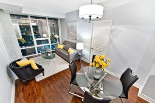 Photo 2: 1908 3525 Kariya Drive in Mississauga: City Centre Condo for sale : MLS®# W4455373
