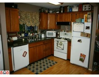 Photo 2: 8249 COPPER Place in Mission: Mission BC House for sale : MLS®# F1000978
