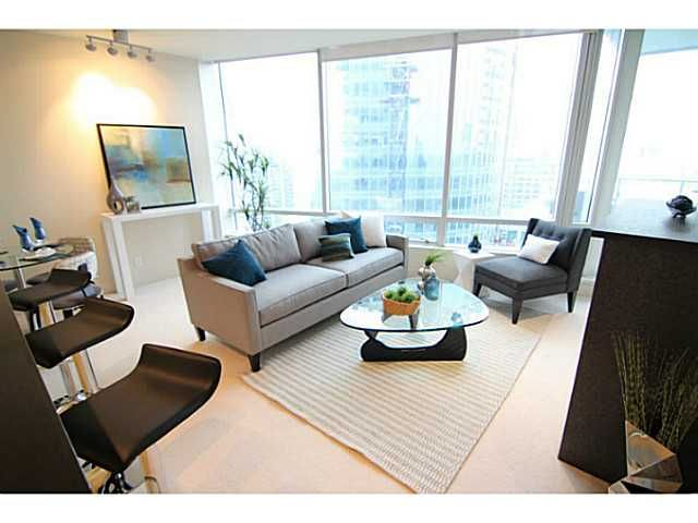"""Main Photo: 3306 1077 W CORDOVA Street in Vancouver: Coal Harbour Condo for sale in """"SHAW TOWERS"""" (Vancouver West)  : MLS®# V1091901"""