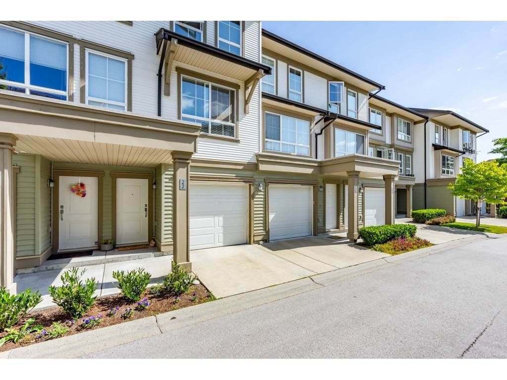 """Main Photo: 22 19505 68A Avenue in Surrey: Clayton Townhouse for sale in """"Clayton Rise"""" (Cloverdale)  : MLS®# R2484937"""