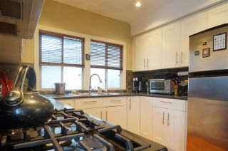 Photo 4: 3648 TURNER STREET in Vancouver: Renfrew VE House for sale (Vancouver East)  : MLS®# R2138053