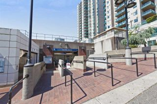 """Photo 18: 1403 188 AGNES Street in New Westminster: Downtown NW Condo for sale in """"THE ELLIOT"""" : MLS®# R2504898"""