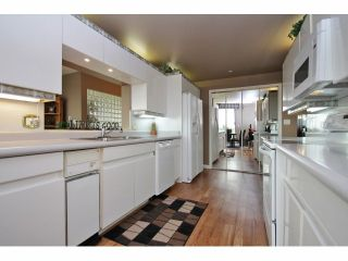 "Photo 8: 1402 32330 S FRASER Way in Abbotsford: Abbotsford West Condo for sale in ""TOWN CENTRE"" : MLS®# F1415327"