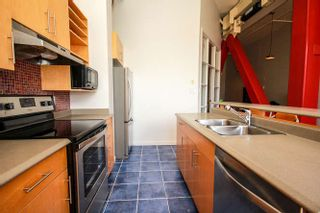 """Photo 12: 407 549 COLUMBIA Street in New Westminster: Downtown NW Condo for sale in """"C2C LOFTS & FLATS  http://c2clofts.ca/"""" : MLS®# R2094393"""