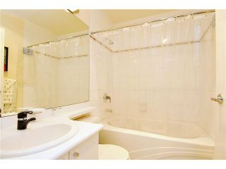 """Photo 7: 2406 1239 W GEORGIA Street in Vancouver: Coal Harbour Condo for sale in """"VENUS"""" (Vancouver West)  : MLS®# V929184"""