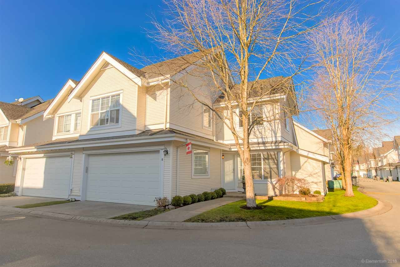 """Main Photo: 8 17097 64 Avenue in Surrey: Cloverdale BC Townhouse for sale in """"KENTUCKY LANE"""" (Cloverdale)  : MLS®# R2421761"""